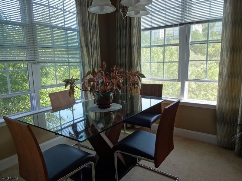 Кондо / дом для того Продажа на 7207 COVENTRY Court Riverdale, Нью-Джерси 07457 Соединенные Штаты