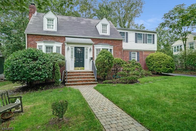 Частный односемейный дом для того Аренда на 6 ANDOVER Drive Millburn, Нью-Джерси 07078 Соединенные Штаты