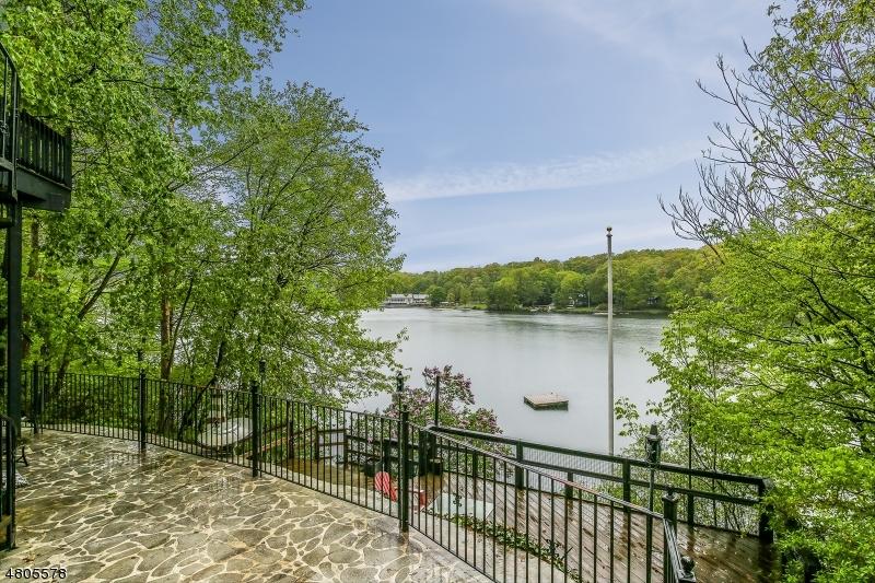 独户住宅 为 销售 在 1217 LAKESIDE DR E 弗农, 新泽西州 07422 美国