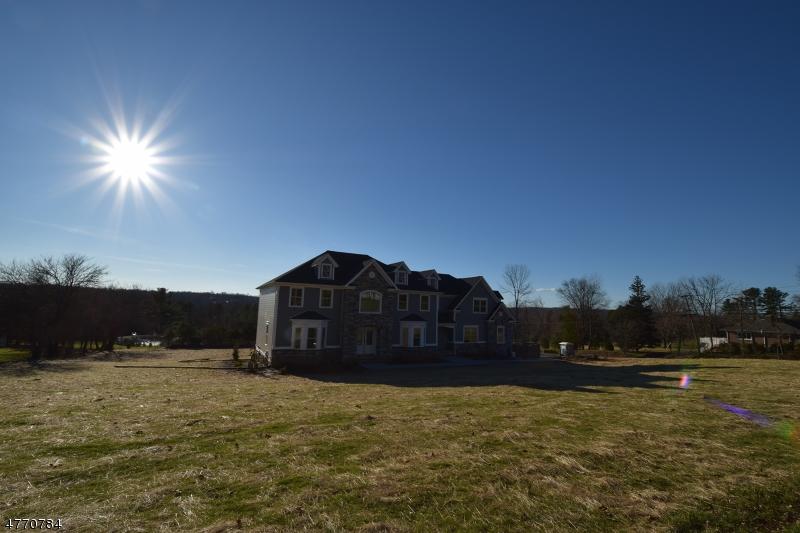 Maison unifamiliale pour l Vente à 1706 Washington Valley Road Bridgewater, New Jersey 08836 États-Unis