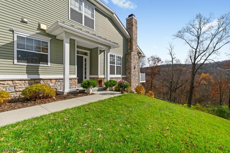 Condo / Radhus för Försäljning vid 59 WILD IRIS WAY Allamuchy, New Jersey 07840 Förenta staterna