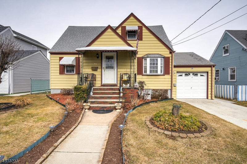 独户住宅 为 销售 在 65 HAMILTON Avenue Lodi, 新泽西州 07644 美国