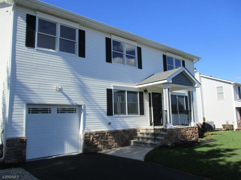 Частный односемейный дом для того Продажа на Piscataway, Нью-Джерси 08854 Соединенные Штаты