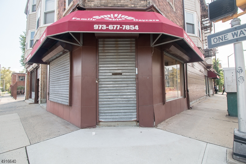 Commercial for Rent at East Orange, New Jersey 07017 United States