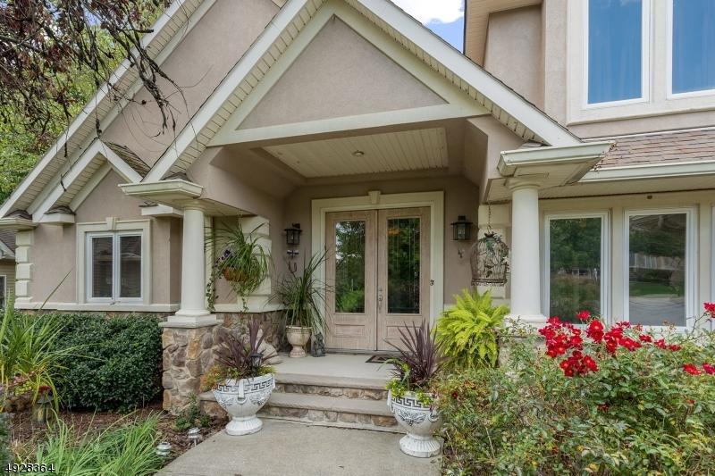 Single Family Homes pour l Vente à 17 COUNTRY Lane Hardyston, New Jersey 07419 États-Unis