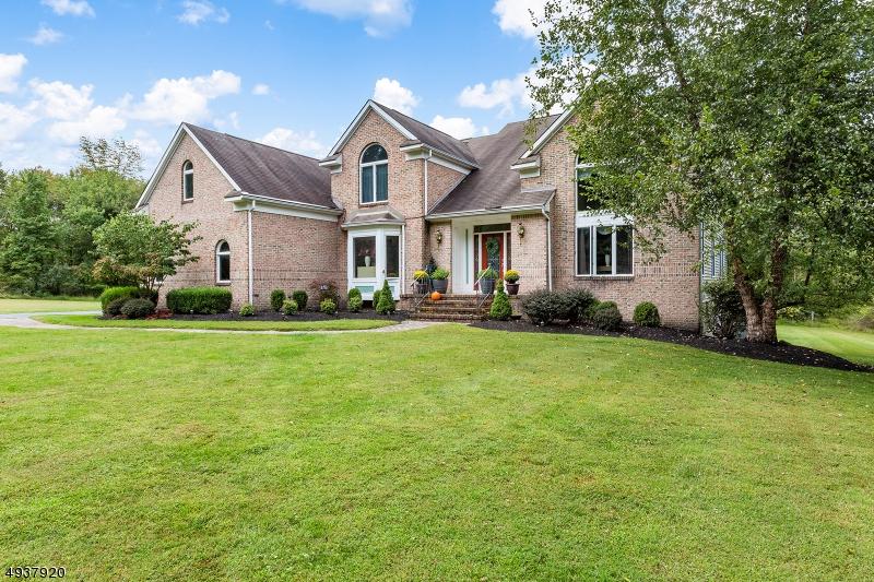 Single Family Homes für Verkauf beim Lebanon, New Jersey 08826 Vereinigte Staaten