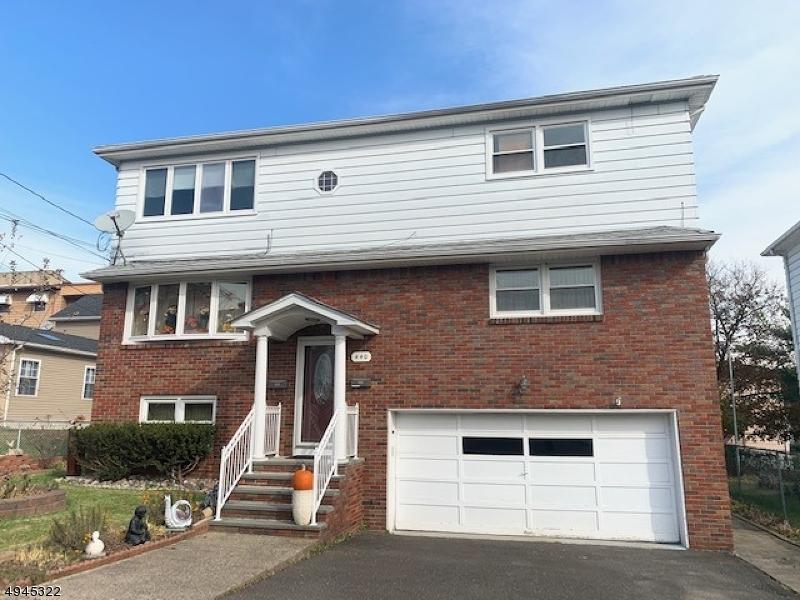 Single Family Homes para Alugar às Paterson, Nova Jersey 07502 Estados Unidos