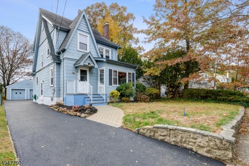 Single Family Homes för Försäljning vid Teaneck, New Jersey 07666 Förenta staterna