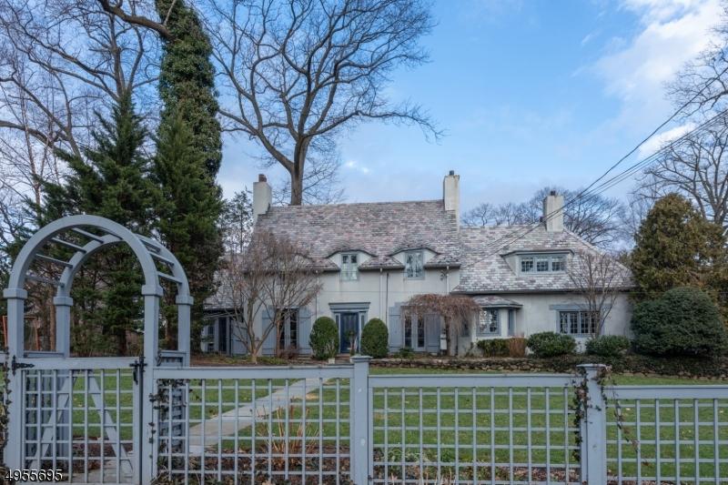Single Family Homes för Försäljning vid Ridgewood, New Jersey 07450 Förenta staterna