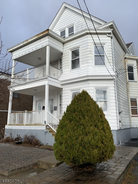 Property のために 賃貸 アット Clifton, ニュージャージー 07011 アメリカ