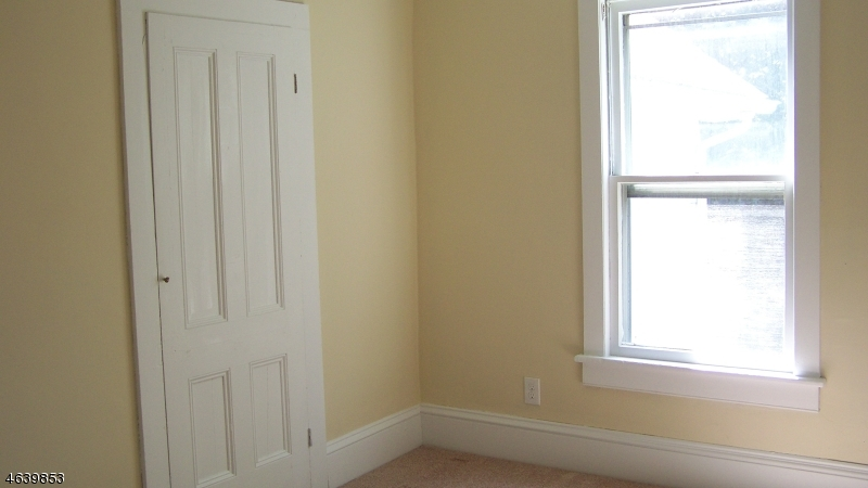 Additional photo for property listing at 87 W Warren Street  Washington, Нью-Джерси 07882 Соединенные Штаты