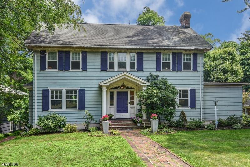 独户住宅 为 销售 在 344 N Ridgewood Road 南奥林奇, 新泽西州 07079 美国