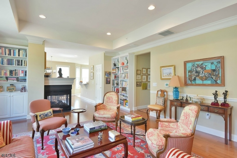 Additional photo for property listing at 108 QUARRY Drive  Woodland Park, New Jersey 07424 États-Unis