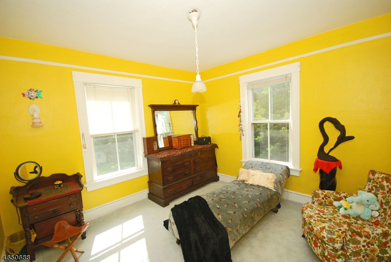 Additional photo for property listing at 126 Fernwood Road  Summit, New Jersey 07901 United States