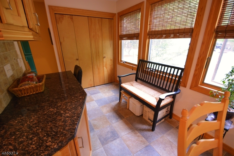 Additional photo for property listing at 7 Little Bear Road  Denville, 新泽西州 07834 美国