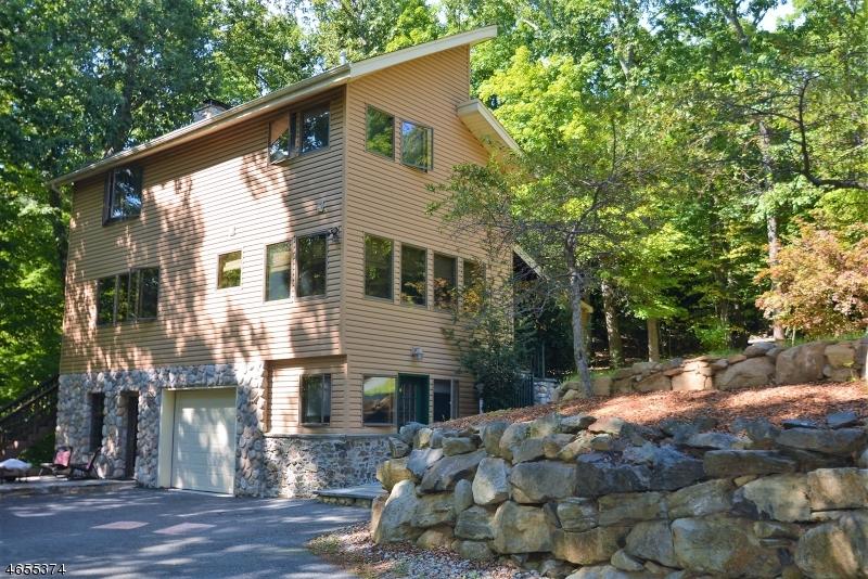 独户住宅 为 销售 在 7 Little Bear Road Denville, 新泽西州 07834 美国