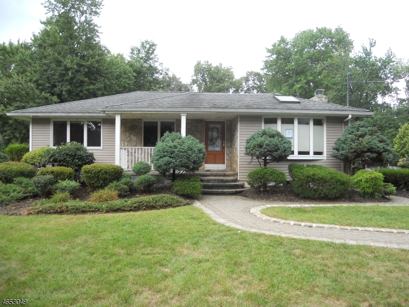 Single Family Home for Sale at 25 Pettee Avenue Haledon, New Jersey 07508 United States