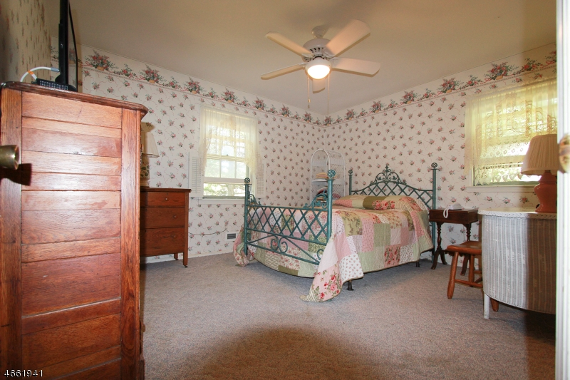 Additional photo for property listing at 6 Cathy Lane  Chester, New Jersey 07930 États-Unis