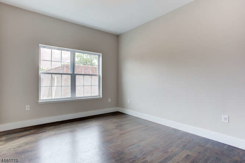 Additional photo for property listing at 59 Willet Street  Bloomfield, Nueva Jersey 07003 Estados Unidos