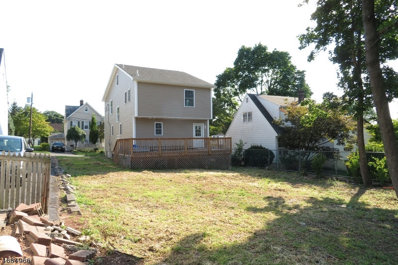 Additional photo for property listing at 537 Oritani Place  Teaneck, Нью-Джерси 07666 Соединенные Штаты