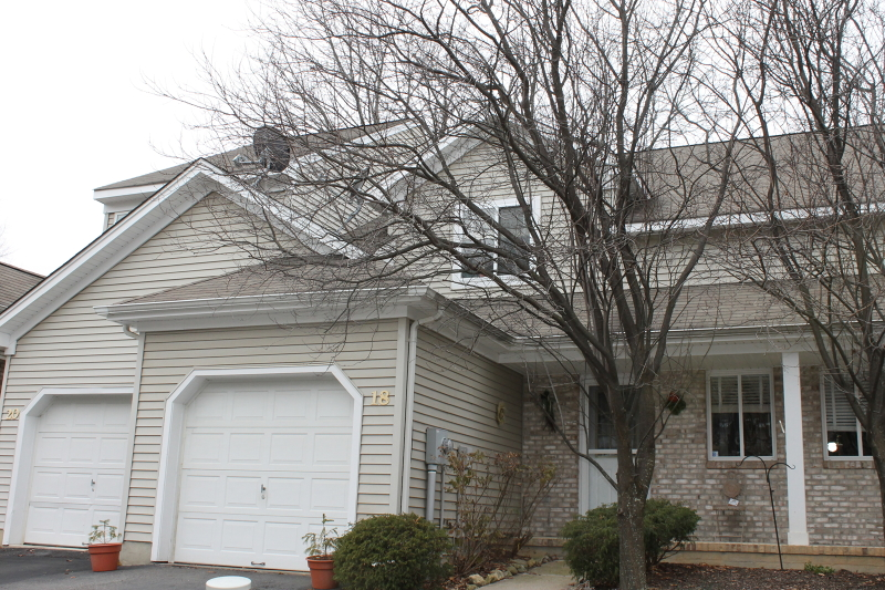 Additional photo for property listing at 18 Sweetwater Lane  Hamburg, New Jersey 07419 États-Unis