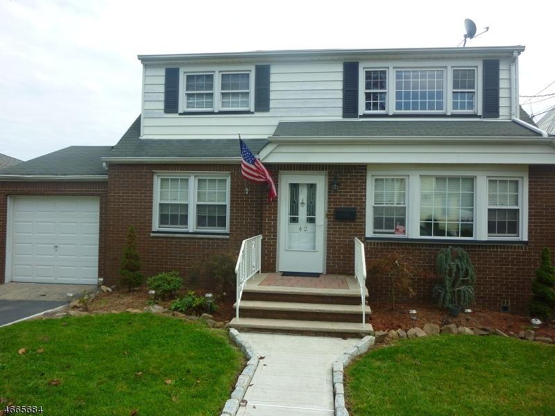 多户住宅 为 销售 在 42 Summit Avenue Lyndhurst, 07071 美国
