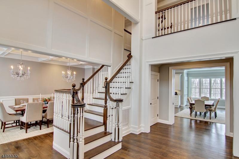 Enfamiljshus för Försäljning vid 1 Falcon Point Drive Caldwell, New Jersey 07006 Usa