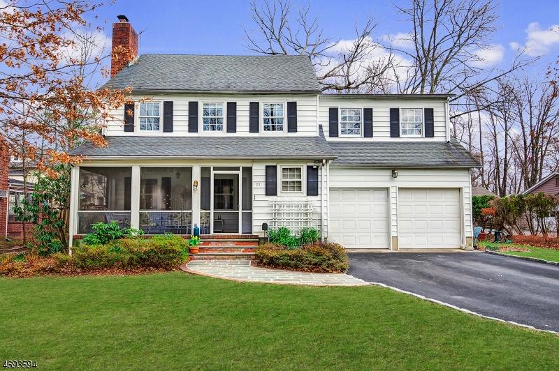 Single Family Home for Sale at 77 Oakridge Road Verona, 07044 United States