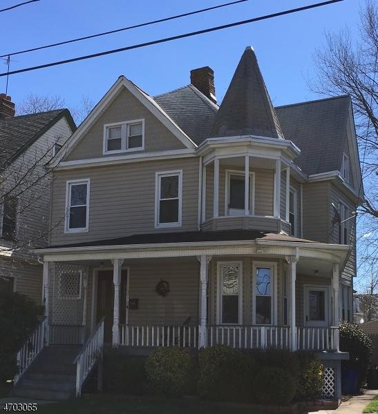 Частный односемейный дом для того Аренда на 1157 Fulton Street Rahway, Нью-Джерси 07065 Соединенные Штаты