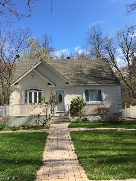 Single Family Home for Sale at 189 Bedford Avenue Teaneck, New Jersey 07666 United States