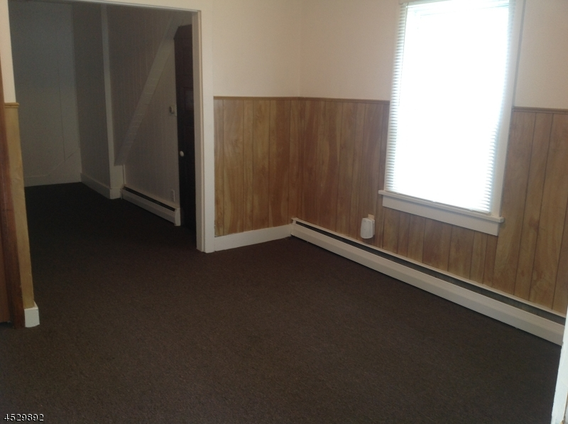 Additional photo for property listing at 123 Main Street  Franklin, New Jersey 07416 États-Unis