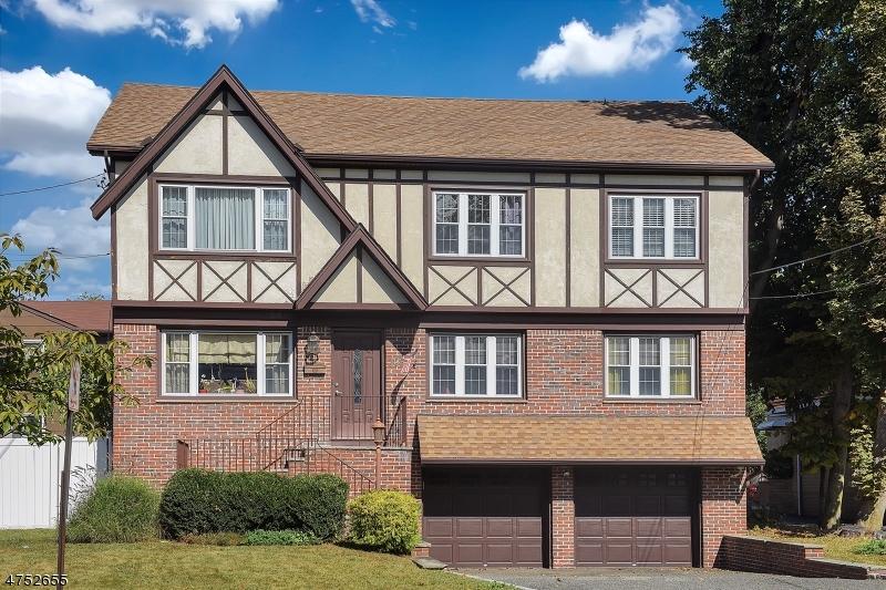 Maison avec plusieurs logements pour l Vente à 305 Belleville Avenue 305 Belleville Avenue Bloomfield, New Jersey 07003 États-Unis