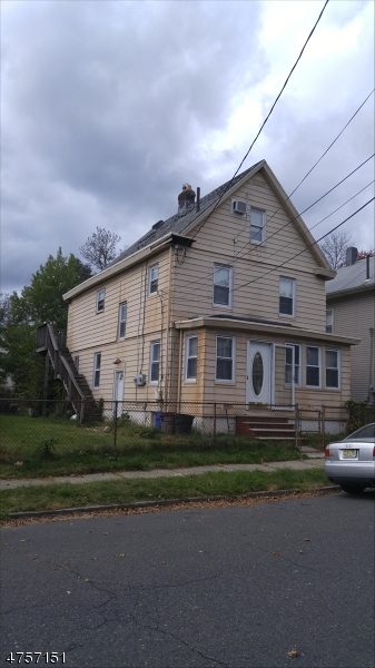 Single Family Home for Sale at 107 Winslow Place Garwood, New Jersey 07027 United States