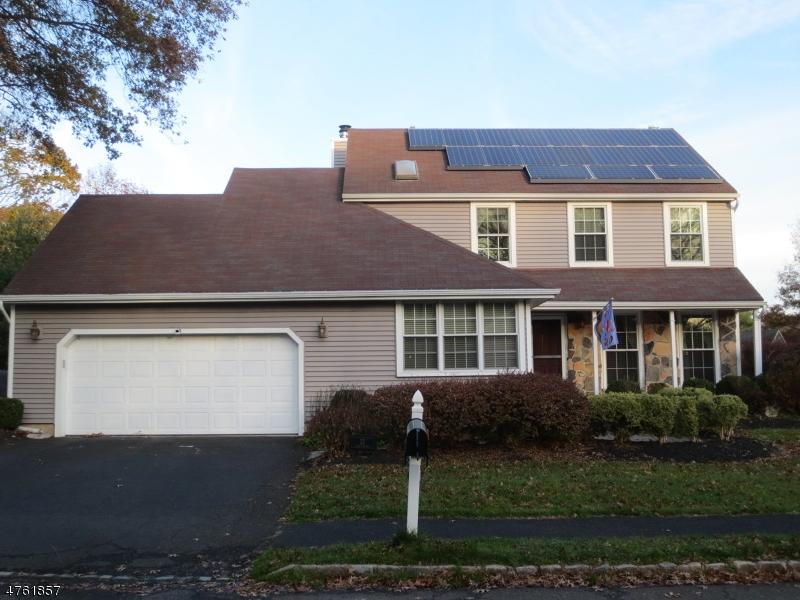 Nhà ở một gia đình vì Bán tại 32 Susquehanna Trail Branchburg, New Jersey 08876 Hoa Kỳ