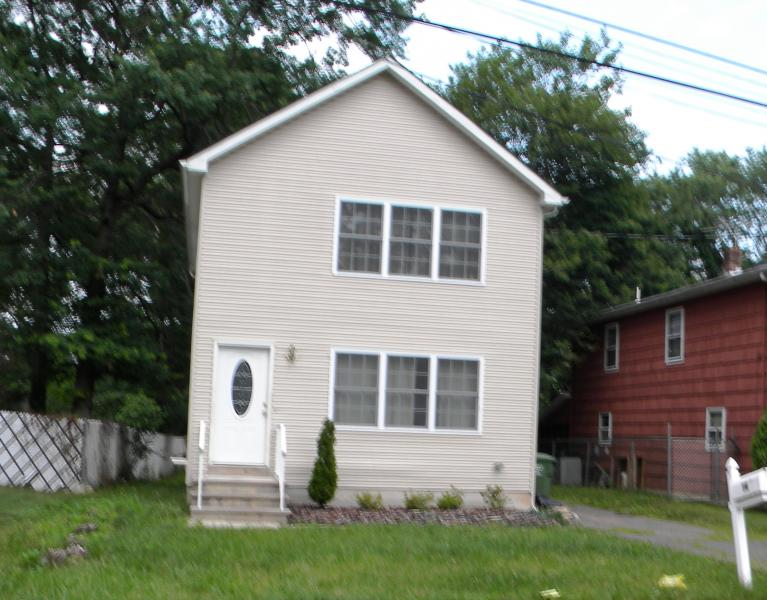 Single Family Home for Rent at 14 Midwood Avenue Edison, New Jersey 08820 United States