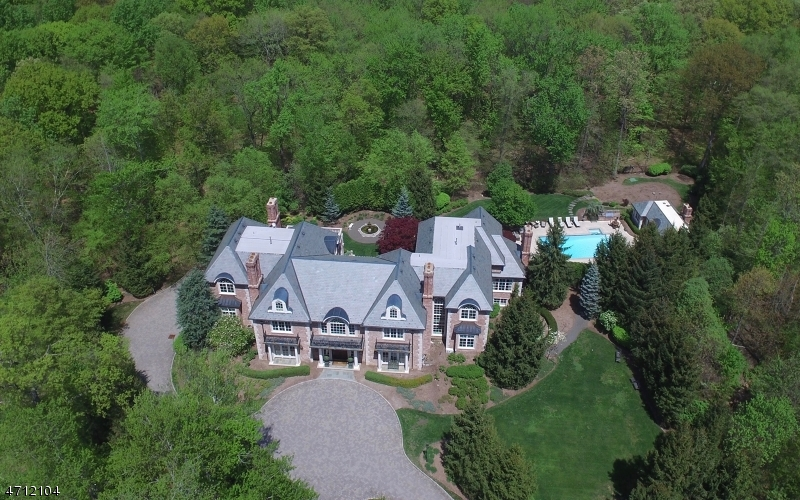 Maison unifamiliale pour l Vente à 11 Denison Dr E Saddle River, New Jersey 07458 États-Unis