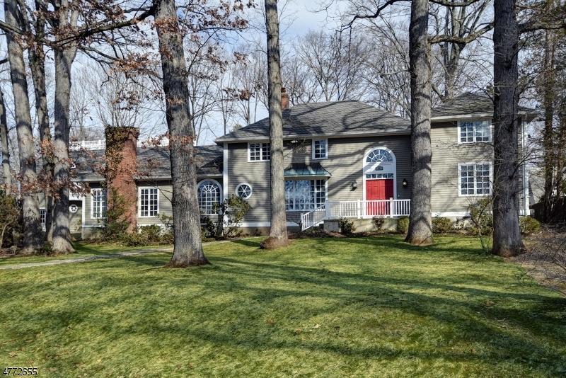 Частный односемейный дом для того Продажа на 34 Midwood Ter Madison, Нью-Джерси 07940 Соединенные Штаты