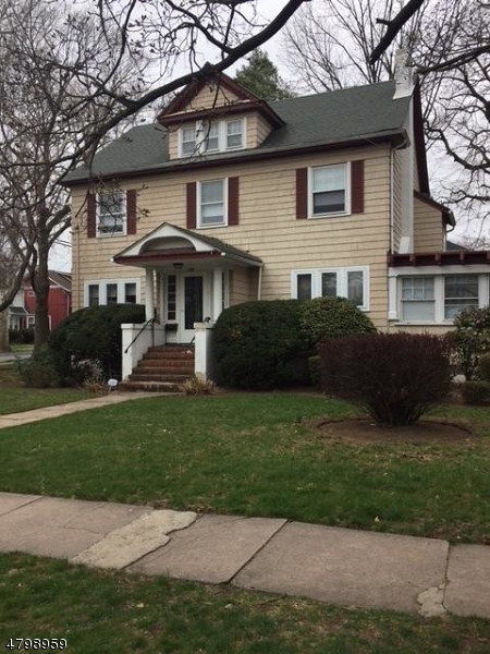 Casa para uma família para Venda às 301 3rd Street Clifton, Nova Jersey 07011 Estados Unidos