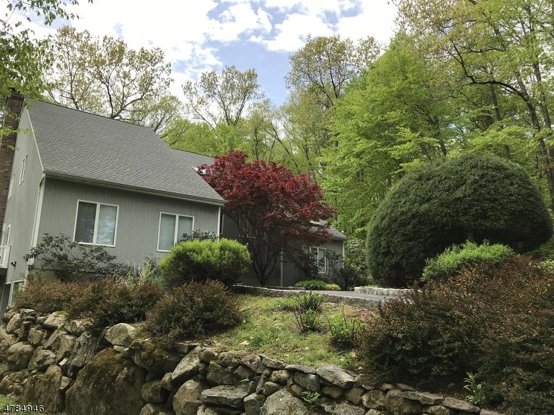 Частный односемейный дом для того Продажа на 79 Pinewood Drive Ringwood, Нью-Джерси 07456 Соединенные Штаты