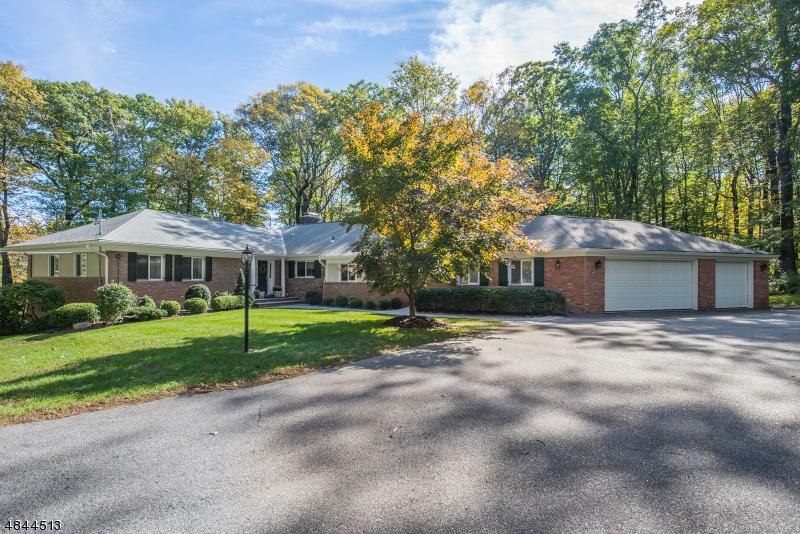 Casa Unifamiliar por un Venta en 2 NORTH Road Kinnelon, Nueva Jersey 07405 Estados Unidos