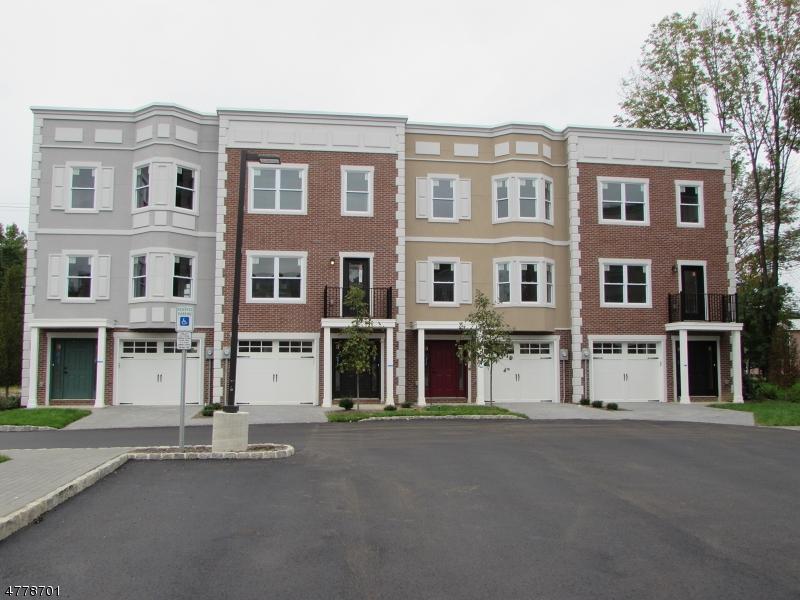 Condo / Townhouse pour l Vente à 3 Stonybrook Circle Fairfield, New Jersey 07082 États-Unis