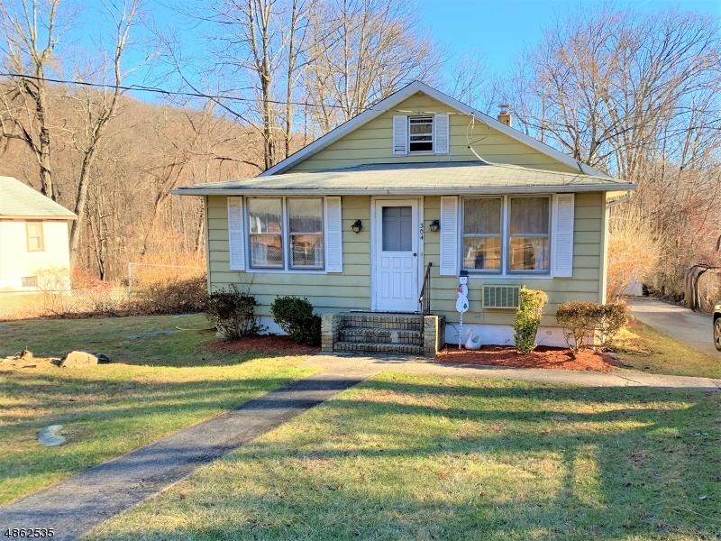 独户住宅 为 销售 在 304 GERMANTOWN Road 西米尔福德, 新泽西州 07480 美国