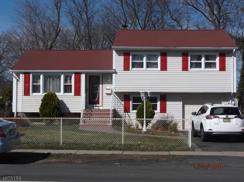 Single Family Homes per Vendita alle ore Morris Plains, New Jersey 07950 Stati Uniti