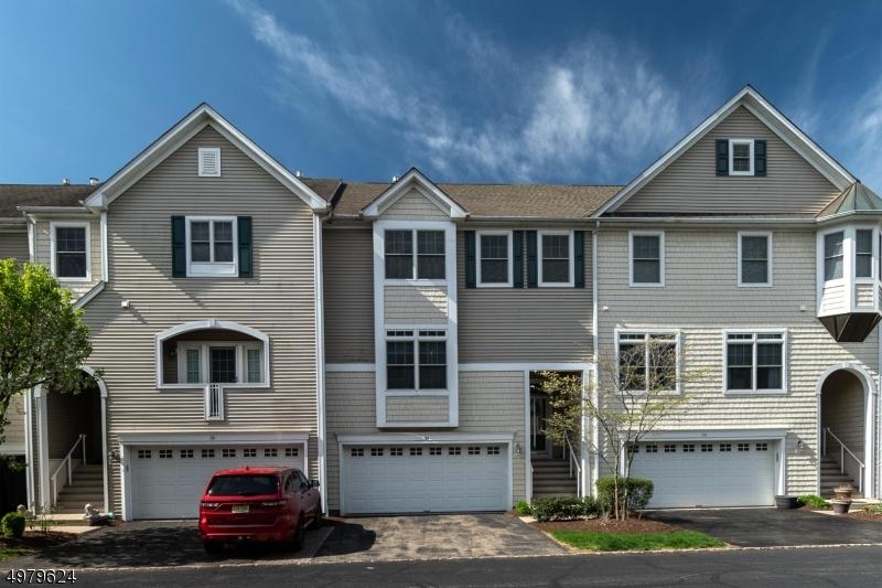 公寓 / 联排别墅 为 销售 在 阿灵顿山, 新泽西州 07856 美国