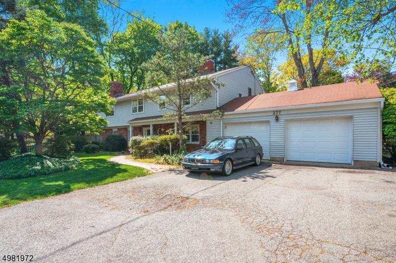 Single Family Homes vì Bán tại Ramsey, New Jersey 07446 Hoa Kỳ