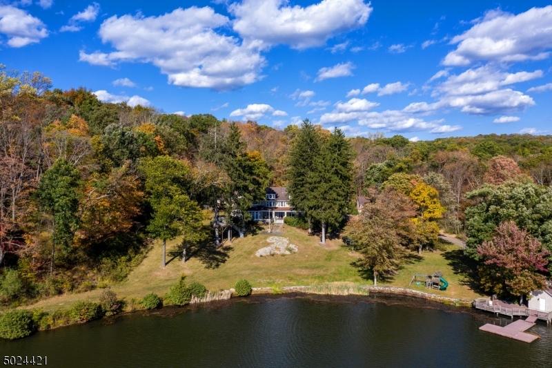 Single Family Homes للـ Sale في Kinnelon, New Jersey 07405 United States