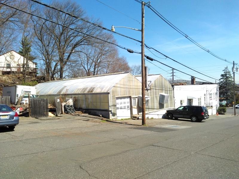 Additional photo for property listing at 554 W Broadway  Haledon, 新泽西州 07508 美国