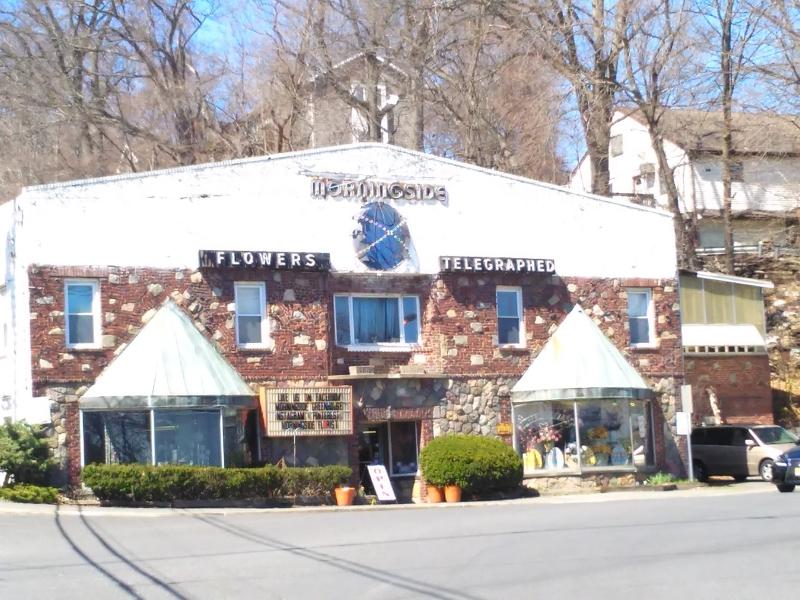 商用 为 销售 在 554 W Broadway Haledon, 新泽西州 07508 美国