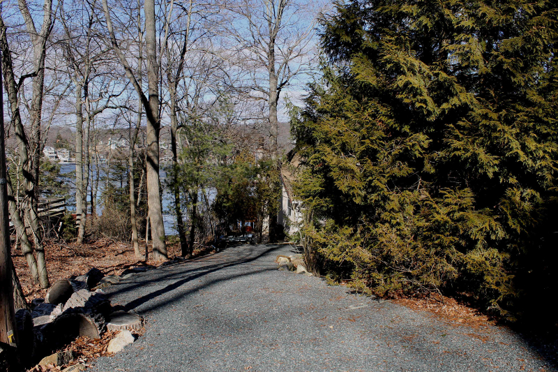 Additional photo for property listing at 315 Maxim Drive  Hopatcong, 新泽西州 07843 美国