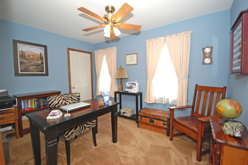 Additional photo for property listing at 641 Case Road  Neshanic Station, New Jersey 08853 États-Unis